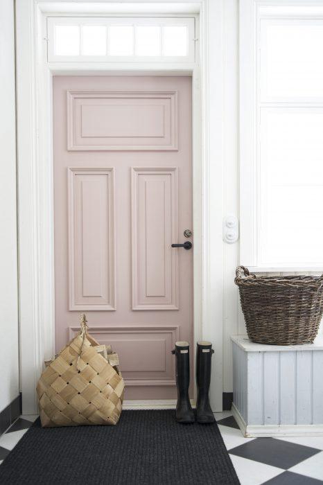 pinkdoor1